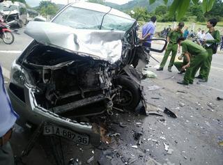 Vụ hai xe đấu đầu ở Lâm Đồng, một Việt kiều Mỹ tử vong
