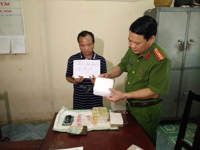 Tang vật bị bắt giữ trong vụ vận chuyển ma túy