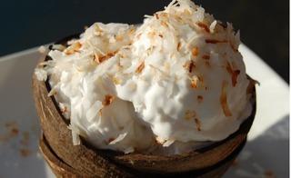 Bất chấp thời tiết với công thức kem dừa thơm thơm bùi bùi ăn đứt ngoài hàng