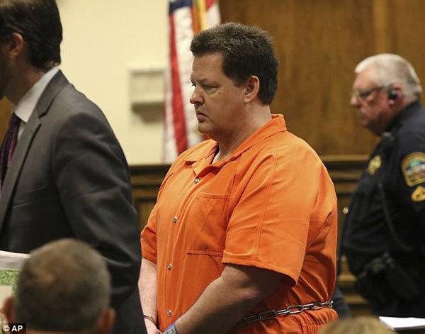 Chân dung kẻ giết người hàng loạt Todd Kohlhepp. Ảnh: AP