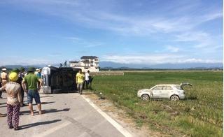 Đã vượt tốc độ, tài xế vi phạm còn táo tợn tông xe CSGT lộn nhào