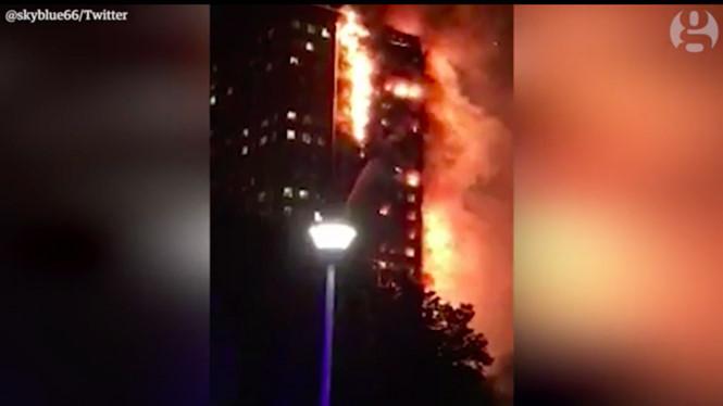Biển lửa tại tòa nhà chung cư ở London. Ảnh: Twitter