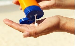 Một số chất trong kem chống nắng có thể gây rối loạn hoocmon
