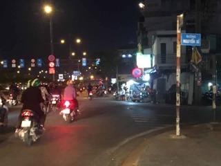 """Sau va chạm giao thông, hai nhóm thanh niên lao vào quyết """"sống chết một phen"""""""