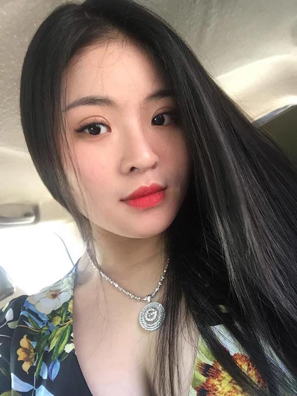 Nguyễn Hồng Thắm - cô nàng đấp ống heo