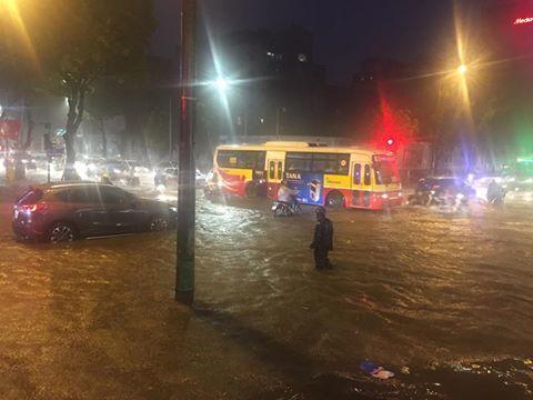 mưa lớn ở Hà Nội 7