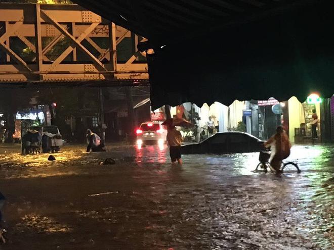 mưa lớn ở Hà Nội 9