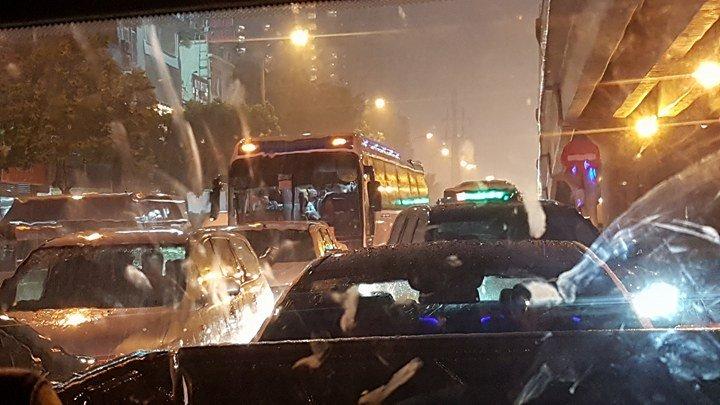 mưa lớn ở Hà Nội 12