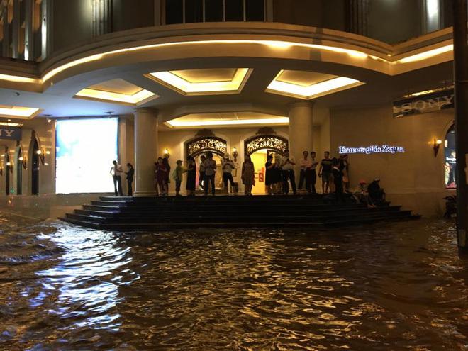 mưa lớn ở Hà Nội 14