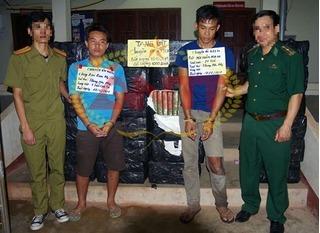 Chặn đứng 1 tấn cần sa khô chuẩn bị được đưa vào biên giới Việt Nam