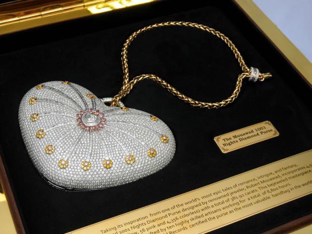 Túi hàng hiệu Mouawad's 1001 Nights Diamond Purse