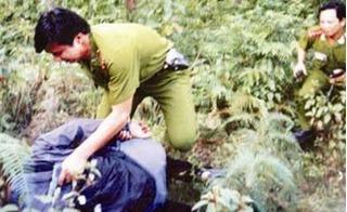 Những phát đạn lạnh lùng của băng cướp máu lạnh sát hại 17 người