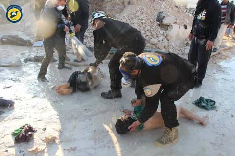 Chưa có bên nào nhận trách nhiệm về vụ tấn công hóa học ở Syria hồi tháng 4. Ảnh: The Sun