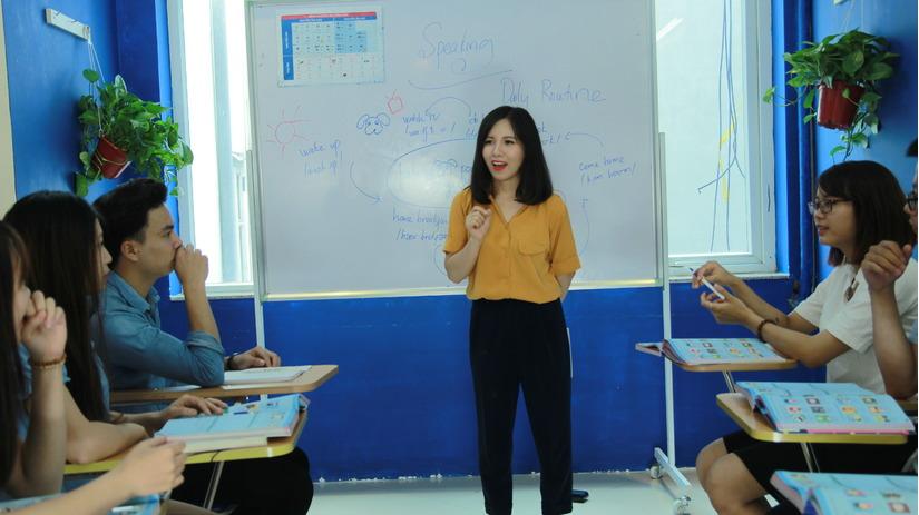 Không chỉ là một doanh nhân, chị còn là một cô giáo xinh đẹp và nhiệt huyết