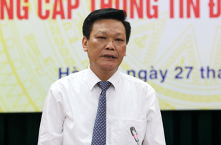 Yêu cầu báo cáo vụ việc 8 Phó Giám đốc Sở Nội vụ
