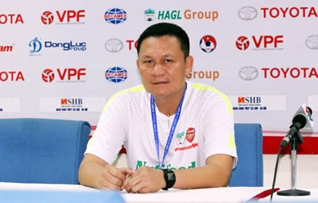 HLV Quốc Tuấn phủ nhận học trò Hoàng Anh Gia Lai giữ chân cho U22 Việt Nam. Ảnh: Thể thao