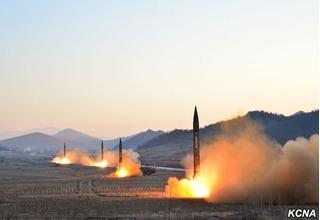 Bí ẩn sức mạnh tên lửa Triều Tiên vừa phóng gần biên giới Trung Quốc giữa lúc căng thẳng