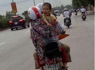 Cháu bé mất tích ở Quảng Bình xuất hiện ở Hà Nội: Mẹ cháu bé cho biết bức ảnh giống đến 60%