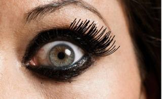 Cảnh báo nguy hiểm mắt có thể bị dị ứng khi gắn, nối mi