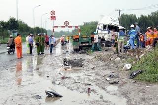"""""""Hung thần"""" xe tải tông chết 2 mẹ con đang đi xe máy trên Quốc lộ 5"""