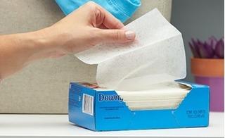 Tác hại không ngờ từ giấy sấy thơm quần áo, bạn đã biết?