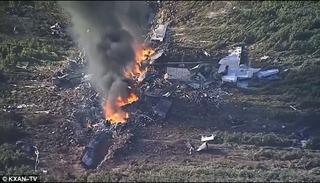 Máy bay quân sự Mỹ hóa đài lửa khổng lồ sau khi rơi, 16 người chết