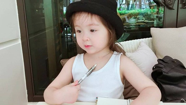 Elly Trần2