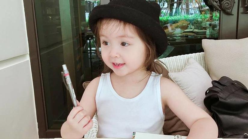 Elly Trần4