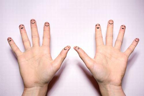 Qua xem hoa tay trên đầu ngón tay cũng có thể đoán định được phần nào vận may kinh doanh. Ảnh minh họa