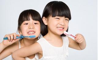 Ngạc nhiên chưa, thính giác kém có thể vệ sinh răng miệng không đúng cách!