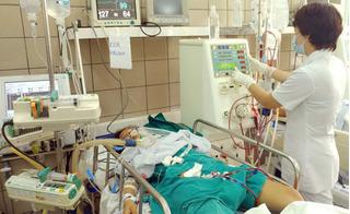 Mua cồn y tế về pha thành rượu uống, người đàn ông chết oan vì ngộ độc methanol