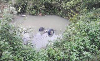 Đi kiểm tra sạt lở trong cơn bão số 2, hai cán bộ Sở Giao thông Nghệ An tử nạn