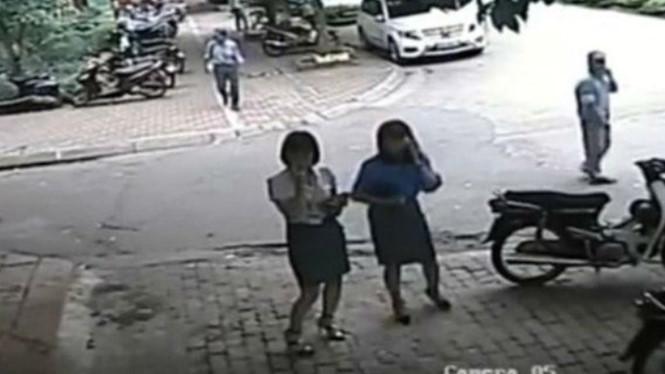 Phó Chủ tịch quận Thanh Xuân đỗ xe sai quy định