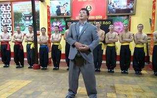 Chưởng môn Huỳnh Tuấn Kiệt bị thách đấu vật tay giá... 200 triệu