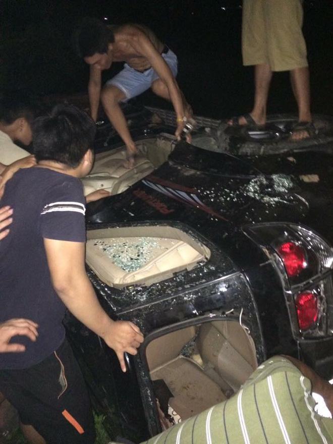 đốt ô tô vì nghi bắt cóc