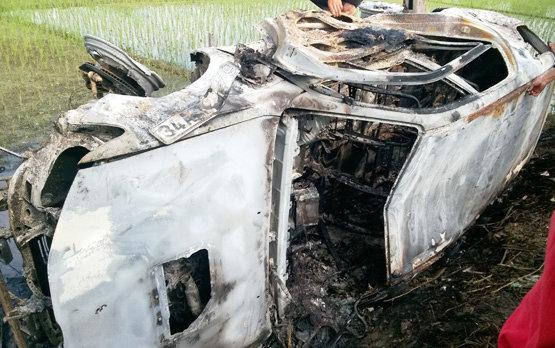 đốt ô tô vì nghi bắt cóc trẻ em