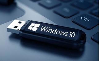 """Microsoft treo thưởng 5,5 tỷ cho người tìm ra """"gót chân Achilles"""" của Windows 10"""