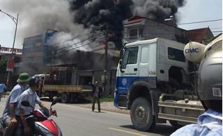 Cháy nổ lớn tại xưởng bánh kẹo tại Hà Nội khiến nhiều người thương vong