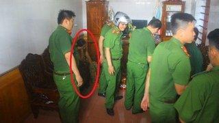 Hà Tĩnh: Người phụ nữ nghi bắt cóc trẻ em được đưa về trụ sở để điều tra