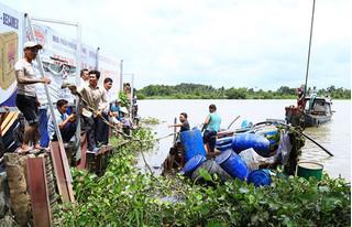 Vụ đâm chìm ghe chở cát trên sông Sài Gòn: Đã tìm thấy thi thể của hai mẹ con