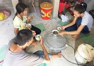 """Cháu bé 11 tuổi bị hàng xóm nhiễm HIV xâm hại: """"Cán bộ xã khuyên gia đình không nên kiện cáo... linh tinh"""""""