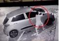 Clip ô tô trên vỉa hè ở Hà Nội bị trộm