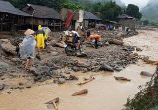 Những hình ảnh lũ ống tàn phá Sơn La, Yên Bái khiến gần 30 người chết và mất tích