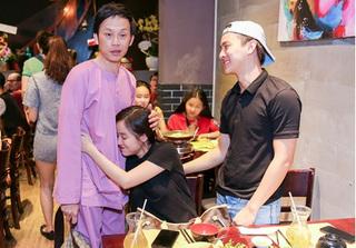 Sau bao biến cố, cuối cùng thì chuyện tình của Hoài Lâm cũng được gia đình chấp thuận
