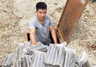 Nam thanh niên đào hầm để… giấu thuốc nổ
