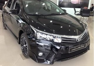 Giá cao chót vót, Corolla Altis 2.0V của Toyota