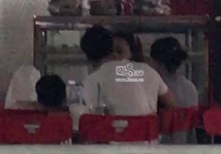 Lộ clip Hồ Ngọc Hà và Kim Lý hôn nhau ở sân bay khi đi du lịch?