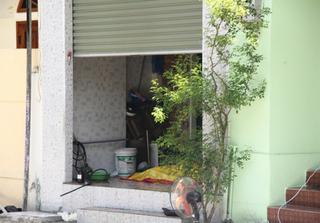 Phát hiện thi thể người đàn ông đang phân hủy nặng tại nhà riêng