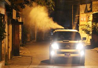 Chủ tịch UBND TP Hà Nội: Nếu cần thiết thì đổi loại thuốc diệt muỗi khác