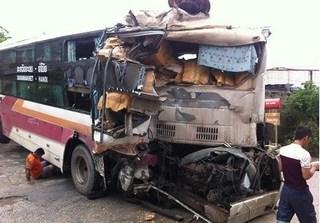 Hiện trường vụ tai nạn giao thông khiến 10 người thương vong trên cao tốc Pháp Vân – Cầu Giẽ